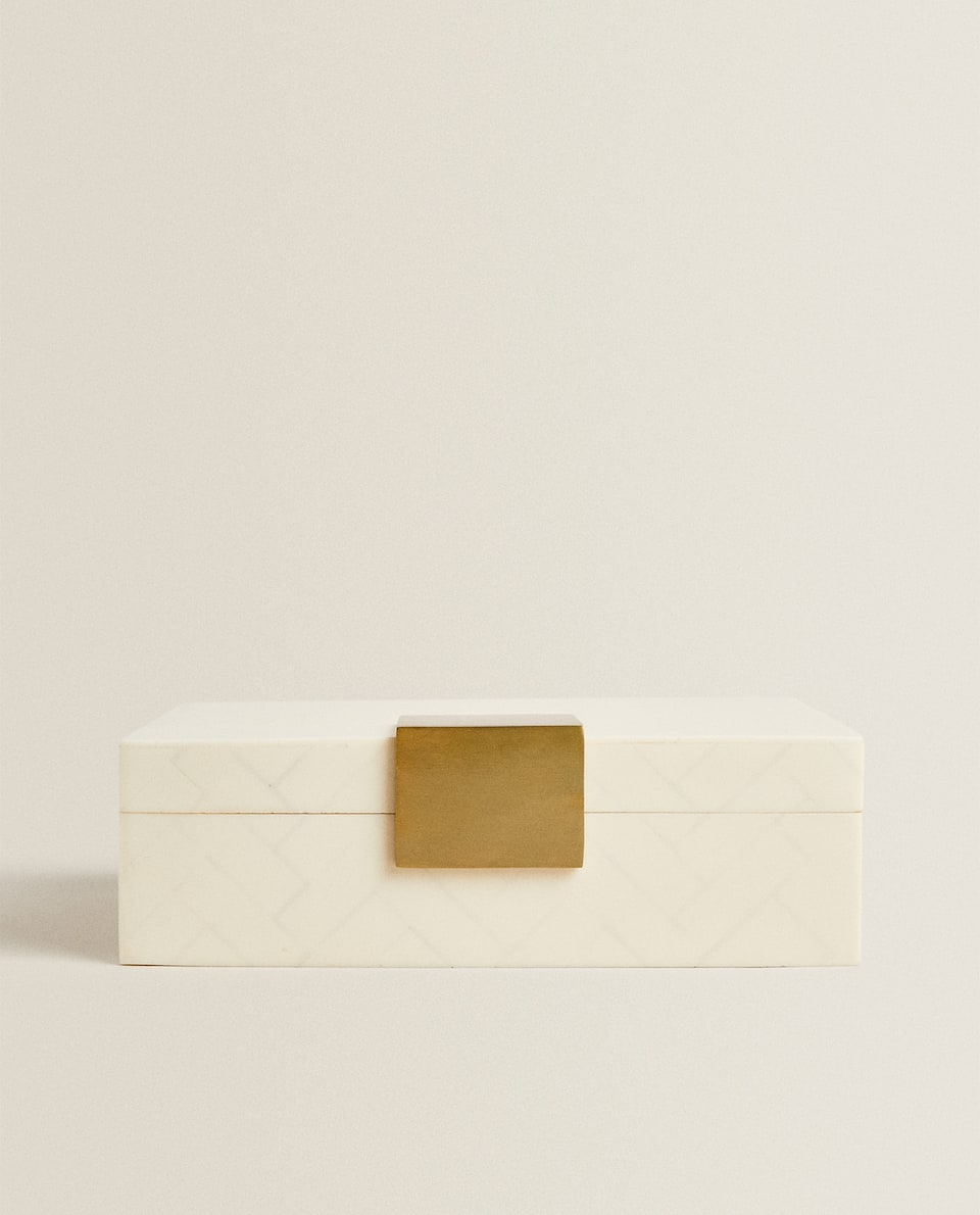 BEIGE WOODEN BOX