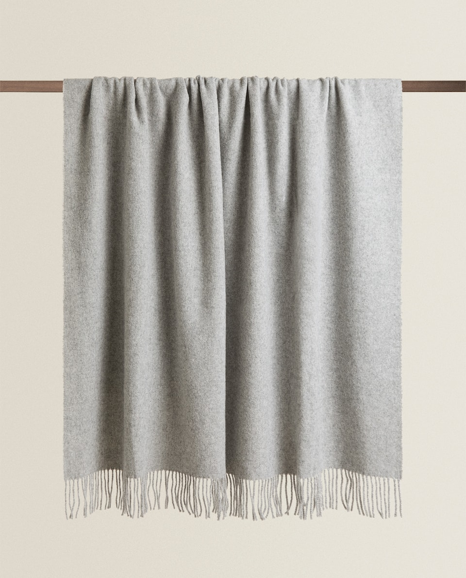 PLAIN WOOL BLANKET