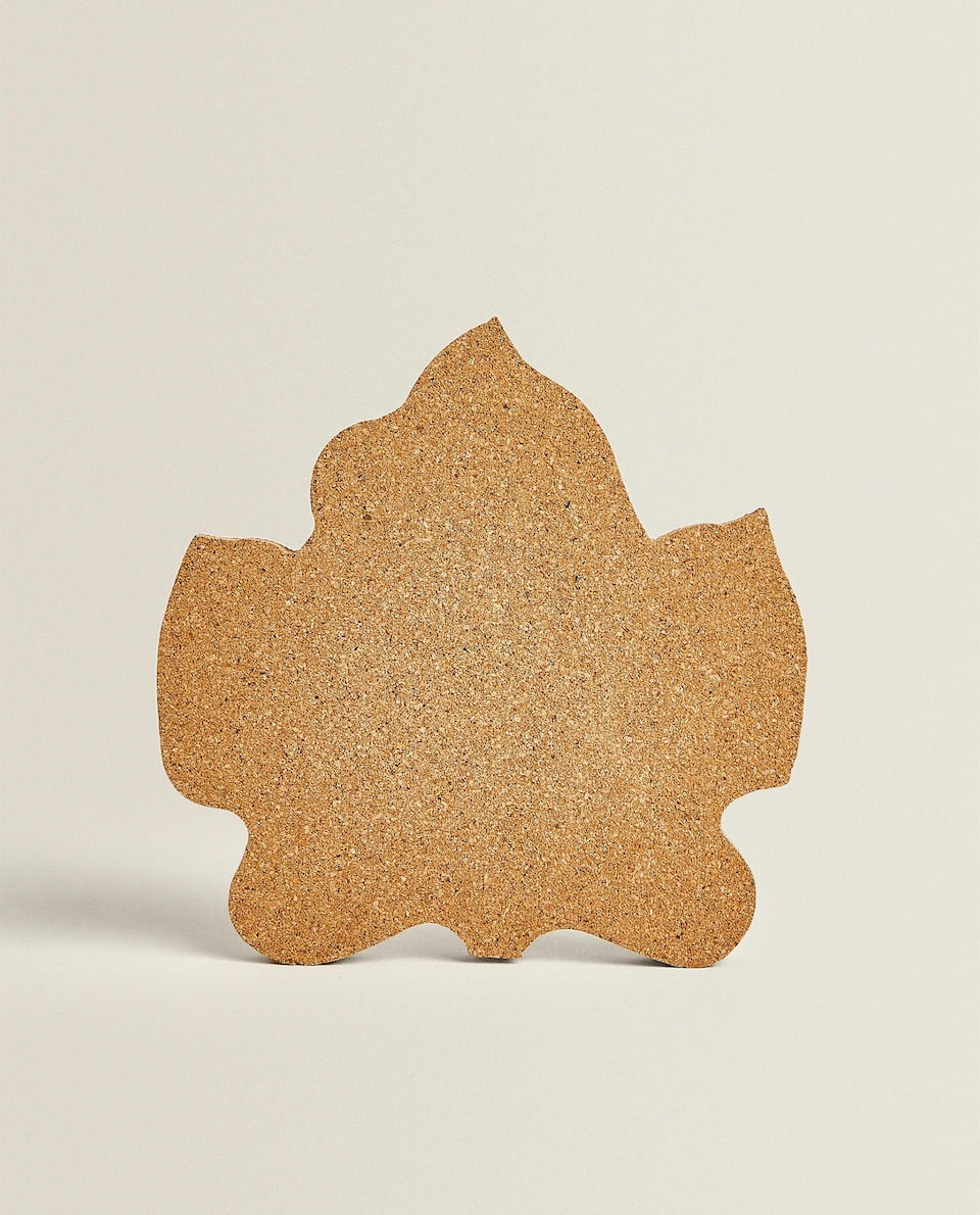 LEAF-SHAPED CORK TRIVET