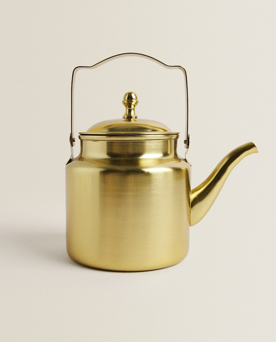 GOLDEN TEAPOT