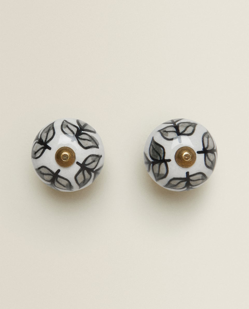 CERAMIC DOOR KNOB WITH LEAF DESIGN (PACK OF 2)